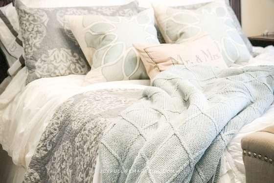 Creating a Bedroom Sanctuary| by Laura Fleetwood | The Joyful Life Magazine