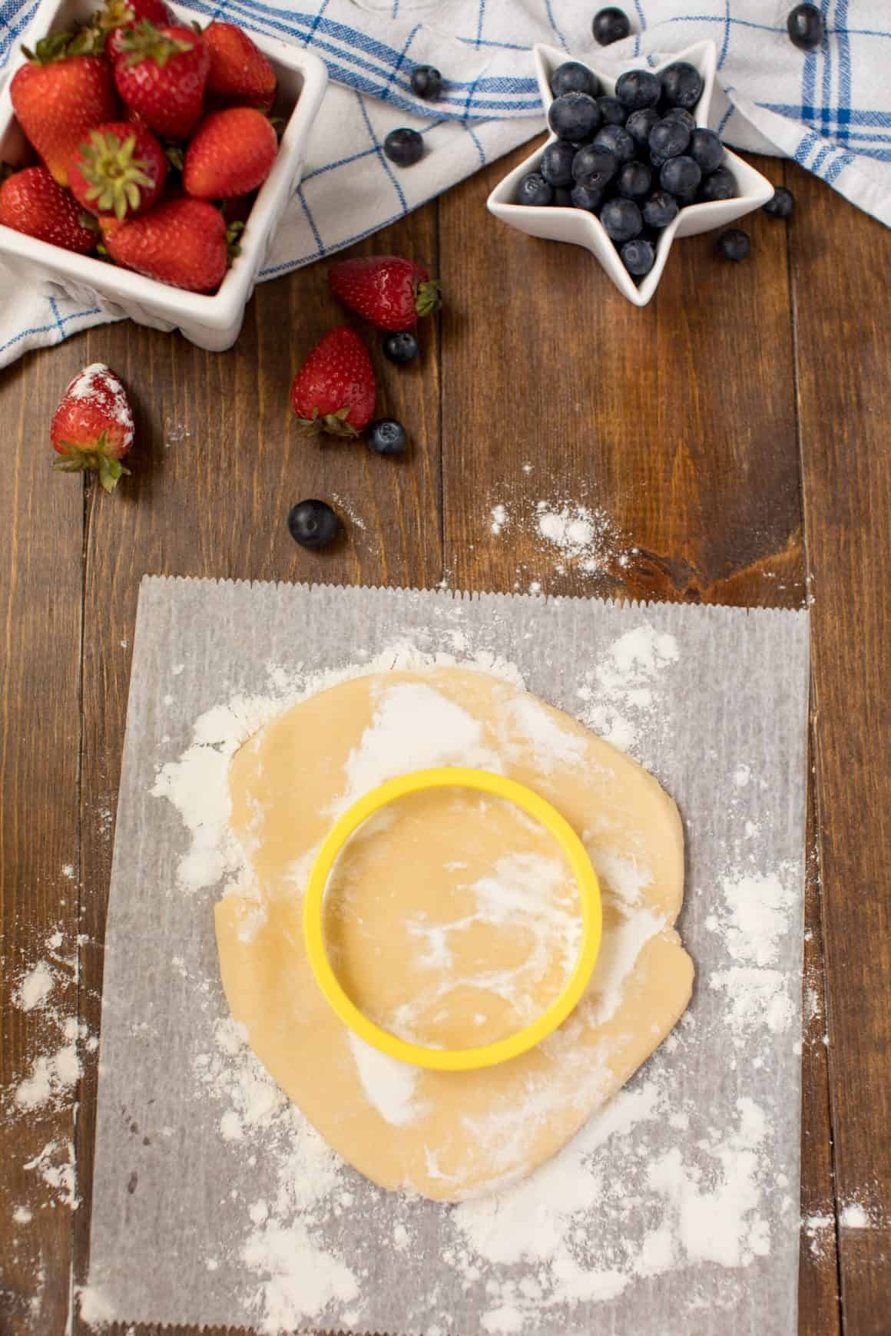 Mini Patriotic Dessert Cookies | Fruit Pizza Cookies